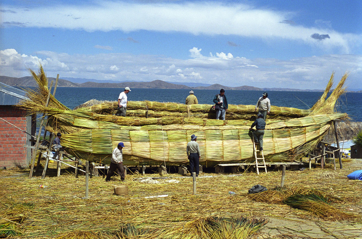 The Qala Yampu project building a reed boat for a voyage across Lake Titicaca